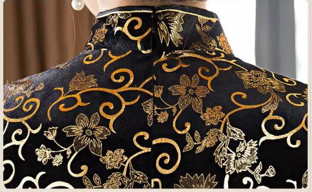 Cheongsam clothing hot stamping highlights the noble effect